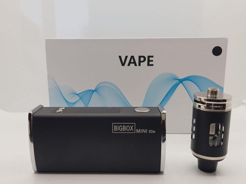Vape kit. Vapeur fumée